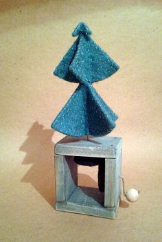 Hand Made Christmas Tree Wooden and Felt Automaton от StuffJoyRu