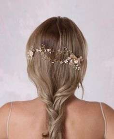 Delight entwined flourish hair vine Bridal Hair Flowers, Bridal Hair Vine, Bridal Updo, Headpiece Wedding, Gold Flowers, Bohemian Hairstyles, Bride Hairstyles, Violet Hair, Hair Setting