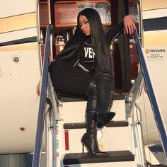 Find images and videos about style, nicki minaj and queen of rap on We Heart It - the app to get lost in what you love. Nicki Minja, Nicki Minaj Barbie, Nicki Minaj Pictures, Pretty Girl Swag, Pretty Girls, Donatella Versace, Black Barbie, Celebs, Celebrities