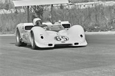Hap Sharp at the wheel of the 2E during the Nassau Trophy race, December 1966. This was chassis 2E001, originally constructed from the Chaparral 2C aluminum tub. Note that the brake scoop along the lower side of the tub has been damaged during the race. Eric della Faille photo.