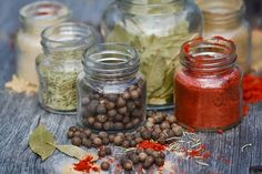 Indian food has its own charm. Various kinds of spices go into preparing different kinds of Indian dishes. As you must be knowing that India is a land of various kinds of spices and herbs, all these are used in … Continue reading → Curry Vert, Le Curry, Ayurveda, Indian Food Recipes, Healthy Recipes, Healthy Food, Spice Shop, Spice Jars, Traditional Chinese Medicine