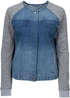 Schöne Kurz-Strickjacke mit Knöpfen Look now: In the material mix on the sleeves and cool breast poc Sewing Clothes, Diy Clothes, Denim Fashion, Fashion Outfits, Mode Jeans, Denim Ideas, Denim Crafts, Recycle Jeans, Shirt Refashion