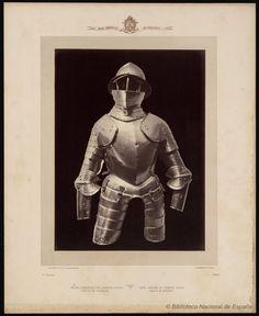 Media armadura del famoso Diego García de Paredes.. Laurent, J. 1816-1886 — Fotografía — 1868