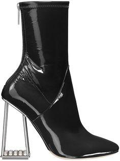 Les bottines futuristes de Dior