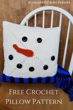 crochet ideas easy Crochet the Snowman Pillow with this free and easy pattern! This x pillow cover will look great all winter long. Makes a great gift! Crochet Snowman, Christmas Crochet Patterns, Holiday Crochet, Easy Crochet Patterns, Free Crochet, Crochet Ideas, Crochet Winter, Crochet Tutorials, Crocheting Patterns