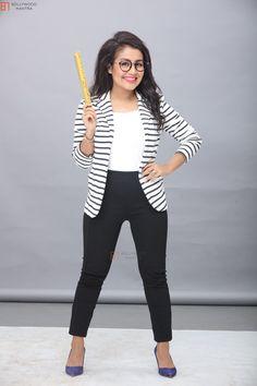 Neha Kakkar💝 so cute Bollywood Celebrities, Bollywood Fashion, Bollywood Actress, Neha Kakkar Dresses, Heena Khan, Trendy Outfits, Fashion Outfits, Neha Sharma, Cute Beauty