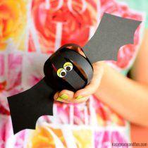 Paper Ball Bat Craft – Cool Halloween Garland