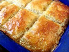 Catering by Debbi Covington Dessert Drinks, Dessert Recipes, Vegan Recipes, Cooking Recipes, Romanian Food, Romanian Recipes, Good Food, Yummy Food, Puff Pastry Recipes