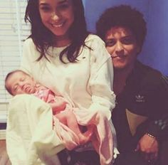 """bruno-news: """"New/old picture of Bruno, Jessica and baby Selah (Presley's daughter) """""""