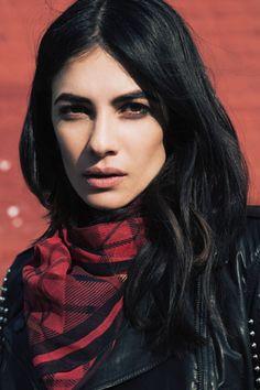 Leila Yavari - black leather jacket and red flannel plaid scarf Leila Yavari, Punk Trends, Hair Magazine, Mom Style, Look Cool, Her Hair, Fashion News, Beautiful People, Make Up