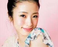 上戸彩さん真似メイクの方法 | GetBeauty Prettiest Actresses, Asian Woman, Asian Beauty, Make Up, Hair Beauty, Beautiful Women, Asian Ladies, Celebrities, Spring