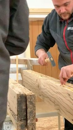 Wood Shop Projects, Reclaimed Wood Projects, Diy House Projects, Diy Wood Projects, Wood Crafts, Easy Woodworking Projects, Woodworking Furniture, Woodworking Plans, Resin Furniture