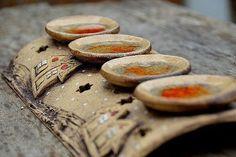 dlouhý-zasněžená vesnička-na obj / Zboží prodejce lavender Ceramic Pottery, Ceramic Art, Wooden Floor Lamps, Christmas Clay, Hanukkah Menorah, Lantern Candle Holders, Pottery Classes, Craft Markets, Ceramics Projects