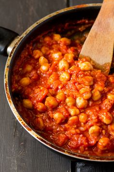 chickpeas-in-a-rich-tomato-sauce