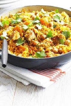 Low FODMAP and Gluten Free Recipe - One-pan chicken quinoa  http://www.ibssano.com/low_fodmap_recipe_chicken_quinoa.html