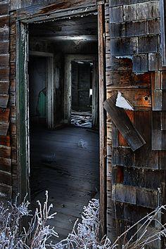 Google Image Result for http://robmckayphotography.com/wp-content/uploads/2009/03/old-interiors.jpg