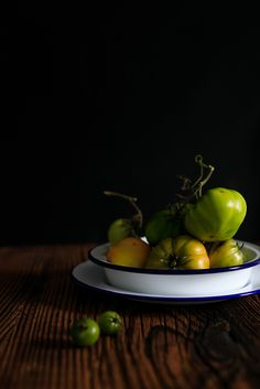 Green tomatoes Green Tomatoes, Still Life, Food Photography, Wine Cellars, Fried Green Tomatoes