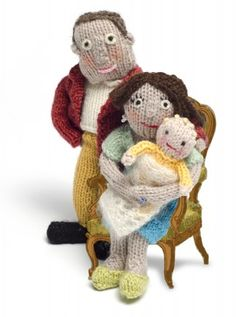 Knit Your Own Royal Baby: download the free pattern from Fiona Goble  #knitting