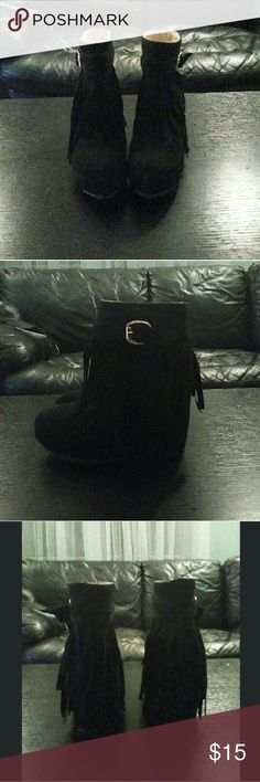 """Black fringed wedge booties ♡ Black fringed wedge booties ♡ size 6 ♡ slip-on with gold buckles ♡ 4"""" heel height ♡ cute chunky wedge design  These were a gift and have no brand name! Forever 21 for exposure  Happy poshing! Forever 21 Shoes Ankle Boots & Booties"""