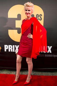 La robe cape en soie rouge de Geneviève Borne a attiré les regards sur le tapis rouge du gala des Prix Gémeaux 2015! Son look fait partie de plusieurs palmarès des plus belles tenues de la soirée: @ellequebec , Magazine Loulou et Huffington Post Québec. #designer #fashion #mode #redcarpet #rudybois #dress #cocktaildress #robe