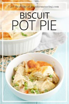 Biscuit Pot Pie - Classic pot pie made with shredded chicken and veggies in a creamy sauce then topped with pre-made biscuits and baked until golden brown. Lunch Snacks, Lunch Recipes, New Recipes, Cooking Recipes, Drink Recipes, Biscuit Pot Pie, Chicken Fried Steak, Cooked Carrots, Peanut Butter Protein