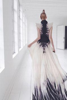 Dress skeleton tie dye pattern indigo and white flowy