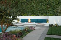 Architects' Roundup: Fire Pits and Outdoor Fireplaces