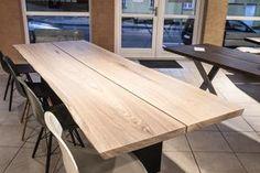 Plankeborde – klar til salg Dinner Places, Dining Room, Dining Table, First Home, Bed And Breakfast, Home And Living, Wood Crafts, Furniture Design, Sweet Home
