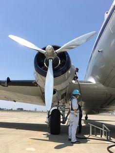 """仙台国際空港株式会社さんのツイート: """"昨日のブライトリング DC-3 ワールドツアー機。5/26・28~6/5にナイトステイ及びローカルフライトで再飛来する予定です! なお、仙台空港展望デッキでは、大勢の撮影やお見送りなどにより危険と判断した場合には、入場を一時制限させていただく場合がございます。予めご了承ください。 https://t.co/4AF5AdXk2a"""""""
