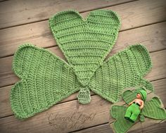 St Patrick's Day Shamrock Mat/Rug by EternalLightShop on Etsy, $35.00