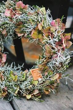 Höstkrans I Victoria Skoglund I My beautiful boss photography of what my hands man create Christmas Garden Decorations, Christmas Centerpieces, Christmas Wreaths, Autumn Wreaths, Easter Wreaths, Hydrangea Wreath, Floral Wreath, Country Wreaths, Summer Wreath