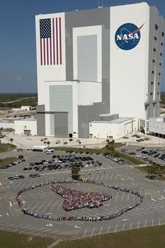 Kennedy employees make their own shuttle to honor the Space Shuttle Program's legacy. Nasa Photos, Nasa Images, Nasa Missions, Cape Canaveral, Kennedy Space Center, Space Planets, Vintage Florida, Image Of The Day, Space Program