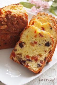 ドライフルーツがたっぷり入ったパウンドケーキは、ドライフルーツレシピの定番です。 お好きなドライフルーツで作ってくださいね。
