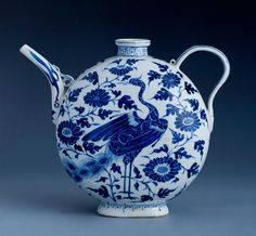 Teapot. Yuan Dynasty (1260-1368), China.