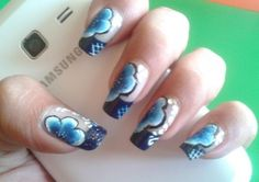 Beautiful Flowers Nail Art  For more latest images visit http://naildesignsidea.net/10-latest-nail-art-designs-2014/