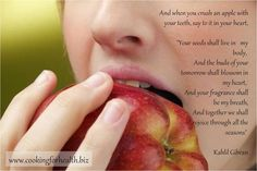 Bite into an apple for healthier whiter teeth! Chewing an apple enables stimulation of saliva glands in your mouth and lowers bacterial levels and tooth decay. Oral Allergy Syndrome, Garlic Breath, Health And Wellness, Health Fitness, Mental Health, Us Department Of Agriculture, Spark People, Plant Health, What You Eat
