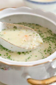 Lekka zupa ogórkowa z płatkami ryżowymi