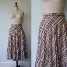 vintage pleated plaid skirt / 1970s / fresh perspective / 25 inch waist - small. $29.00, via Etsy.