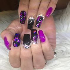 Black And Purple Nails, Nail Designs, Instagram Posts, Beauty, Beautiful, Nail Desings, Beauty Illustration, Nail Design, Nail Organization