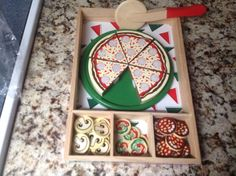 MELISSA AND DOUG PIZZA PARTY WOODEN TOY SET