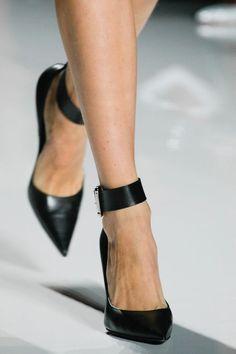 Sexy women shoes hit bg