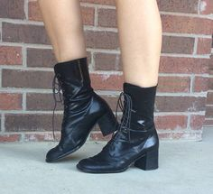 vtg 80s BLACK lace up GRANNY BOOTS riding 8 Italian leather
