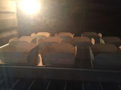 My Mind Patch: Golden Butter Cupcakes 金黄牛油杯子蛋糕 Sponge Cake Recipe Best, Sponge Cake Recipes, Cupcake Recipes, Butter Cupcakes, Banana Cupcakes, Cupcake Mold, Cupcake Cakes, Cup Cakes, Asian Desserts