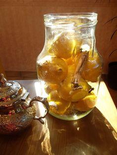 CONFITS ou non... vive les CITRONS ! Ethnic Recipes, Dit, Food, Preserved Lemons, Gift Baskets, Canning Jars, Preserves, Rose Oil, Meals