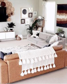 Bohemian Home Decor Design Ideas Boho Chic, Bohemian Decor, Bohemian Style, Bohemian Lifestyle, Living Room Designs, Living Room Decor, Welcome To My House, Rental Decorating, Decorating Tips