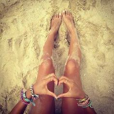 ooh what I wouldn't do to have my feet in the sand right about now!!