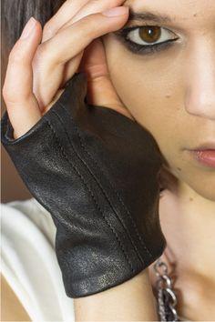 AMOTA Fingerless Gloves