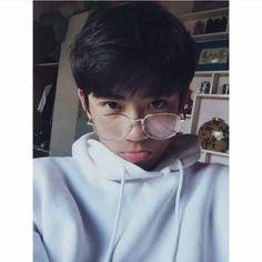 @Tiểu_Cường Korean Boys Hot, Korean Boys Ulzzang, Cute Korean Girl, Ulzzang Boy, Cute Boys Images, Boy Images, Boy Pictures, Cute Boy Pic, Cool Boy Image