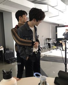 "♡ © AZAXDEH Jaehyun and Mark are the cutest soulmates 🍑🦁❤️"" Nct 127 Mark, Mark Nct, Jaehyun Nct, Park Ji-sung, Nct Life, Jung Jaehyun, Nct Taeyong, Yuta, Boyfriend Material"