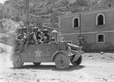 Kübelwagen of WH used by men of the US 1st Infantry Div in Enna, after July 21, 1943 (source USSC)